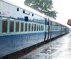 باغپت میں ٹرین کے سامنے کود کر نوجوان نے خودکشی کی