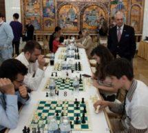 موبائل کے زمانے میں شطرنج کون کھیلے؟