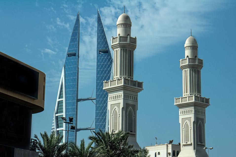 بحرین میں گرم موسم کے پیش نظر بیرونی کاموں پر روک
