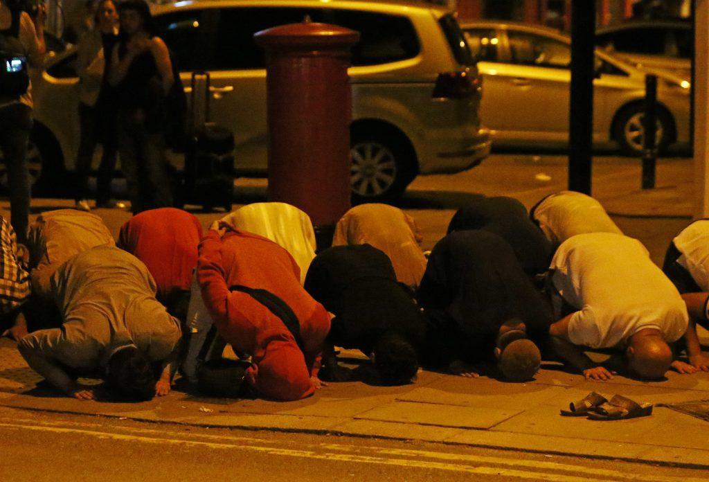 لندن میں وین نے مسجدکے باہر لوگوں کوماری ٹکر ، دو کی موت