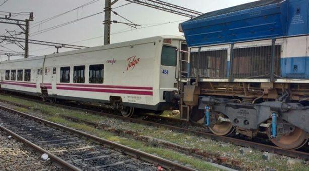 تاخیر سے چلنے والی ٹرینوں پر سپر فاسٹ چارج کیوں؟ سی اے جی