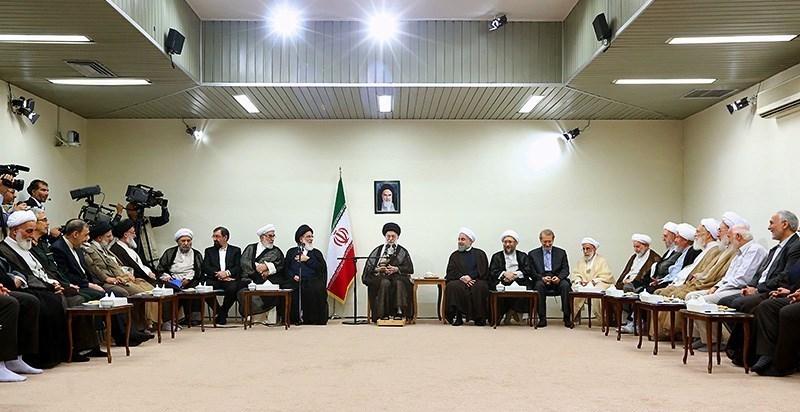 امام خامنہ ای نے کہا: مجمع تشخیص مصلحت نظام کے اراکین انقلابی رہ کر ہی انقلاب کے لئے کام کریں