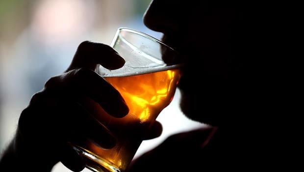 زہریلی شراب پینے سے چار لوگوں کی موت کے معاملے میں تھانہ انچارج سمیت8 پولس اہلکارمعطل