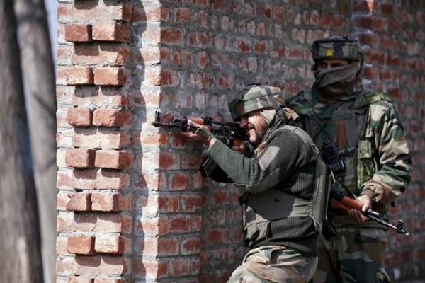 کشمیر مڈبھیڑ : دو جوان شہید، دو انتہا پسند ہلاک