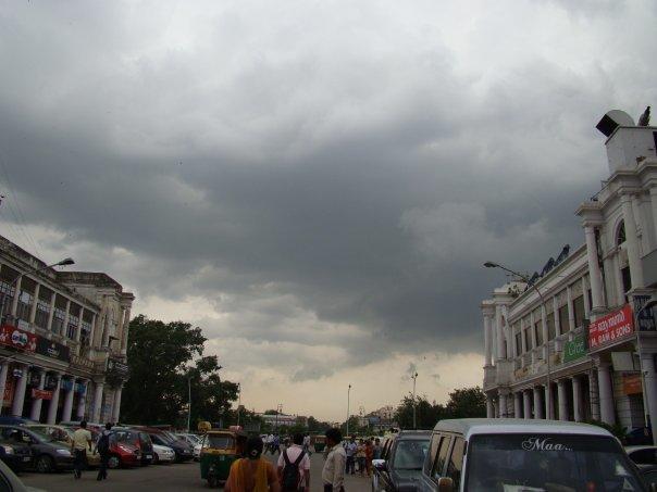دہلی میں دم گھٹانے والی آلودگی میں کمی، لیکن ہوا کی کوالٹی بدستور خراب
