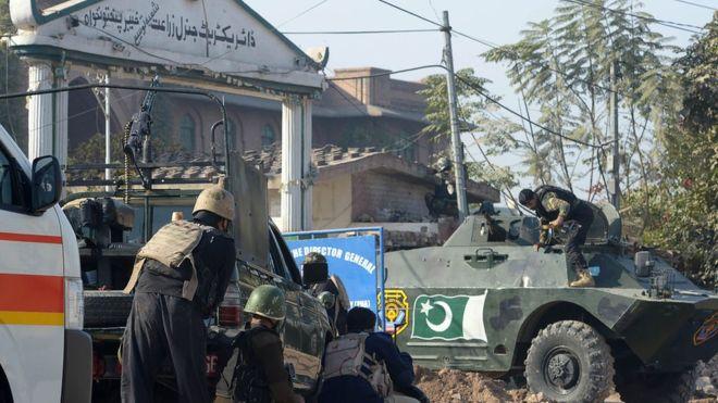 پشاور: ایگری کلچر ڈائریکٹوریٹ میں حملہ، 'کم از کم نو افراد ہلاک'
