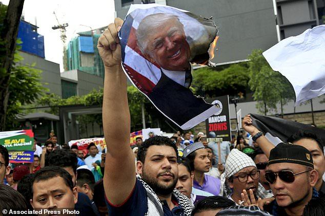 اویسی نے اسرائیلی وزیر اعظم نیتین یاہو کی آمد منسوخ کرنے کا مطالبہ کیا