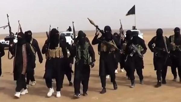 برطانوی اخبار نے کیا دعویٰ : القاعدہ تنظیم داعشیوں کو اپنی صفوں میں بھرتی کر رہی ہے