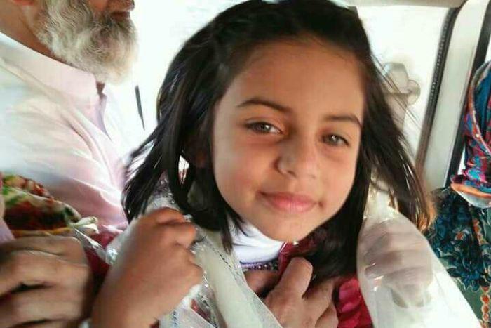 زینب کی مشتبہ شخص کے ساتھ نئی سی سی ٹی وی فوٹیج ٹیسٹنگ پر، پولیس لاچار اور قاتل فرار