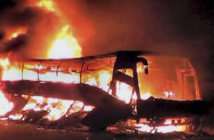 قازقستان: بس میں آتشزدگی 52 افراد ہلاک