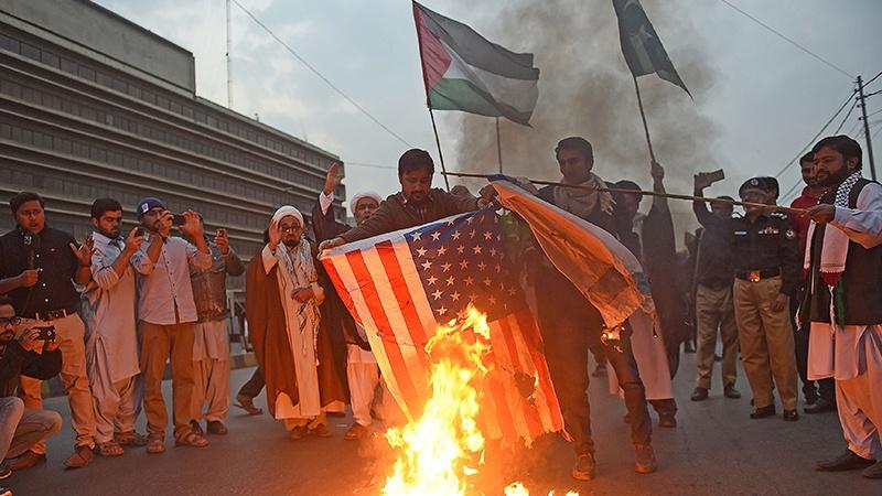 پاکستان کے شہر کراچی میں امریکہ مردہ باد ریلی