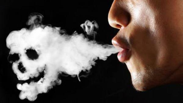سگریٹ کے دھویں سے سالانہ 9 لاکھ اموات: عالمی ادارہ صحت