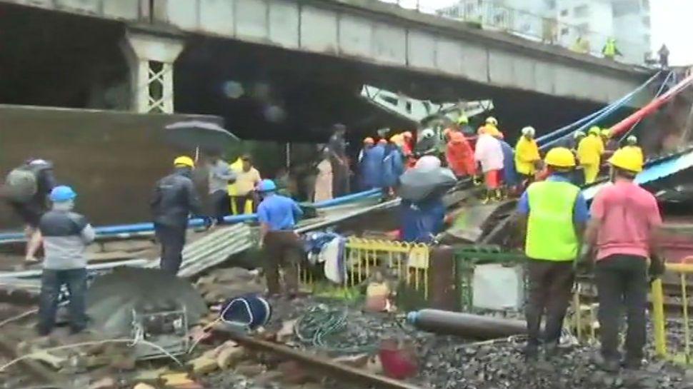 ممبئی پل حادثہ: پانچ افراد زخمی، دو کی حالت نازک، ویسٹرن ریلوے کی لوکل خدمات ٹھپ
