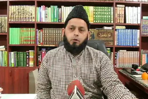 ندا خان کے خلاف فتویٰ: مولانا خالد رشید بولے، اسلام سے نکالنے کا کسی کو کوئی حق نہیں