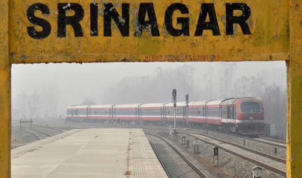 کشمیر میں ریل خدمات 2 روز بعد بحال