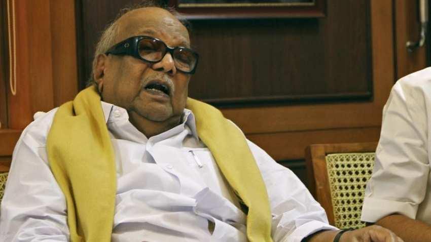 Karunanidhi Death LIVE Updates: करुणानिधि का निधन, तमिलनाडु में एक सप्ताह का शोक
