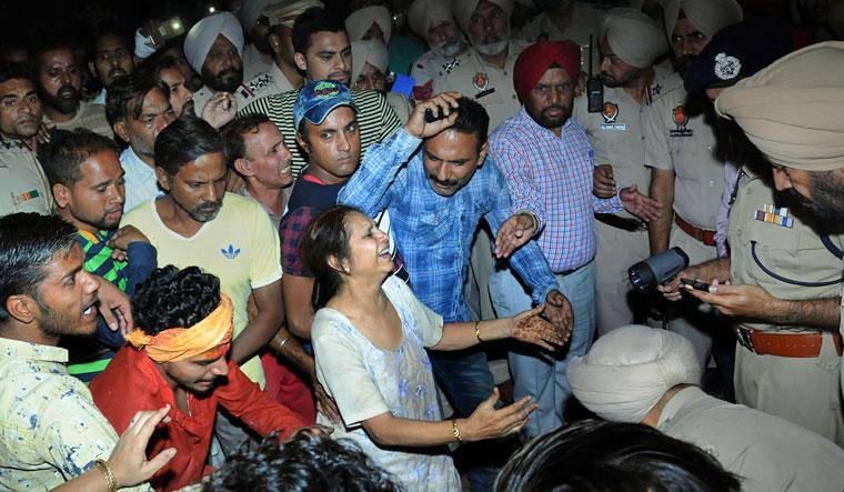 Amritsar Train Accident: दशहरे की खुशियां जब मातम में बदली- कौन है अमृतसर ट्रेन हादसे का जिम्मेदार ?