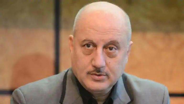 انوپم کھیر کا ایف ٹی آئی آئی کے چیئرمین کے عہدے سے استعفی