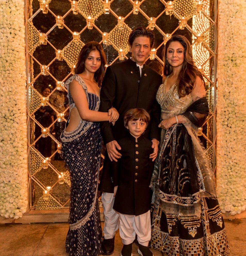 شاہ رخ کی دیوالی پارٹی میں بولی وڈ کی رونق