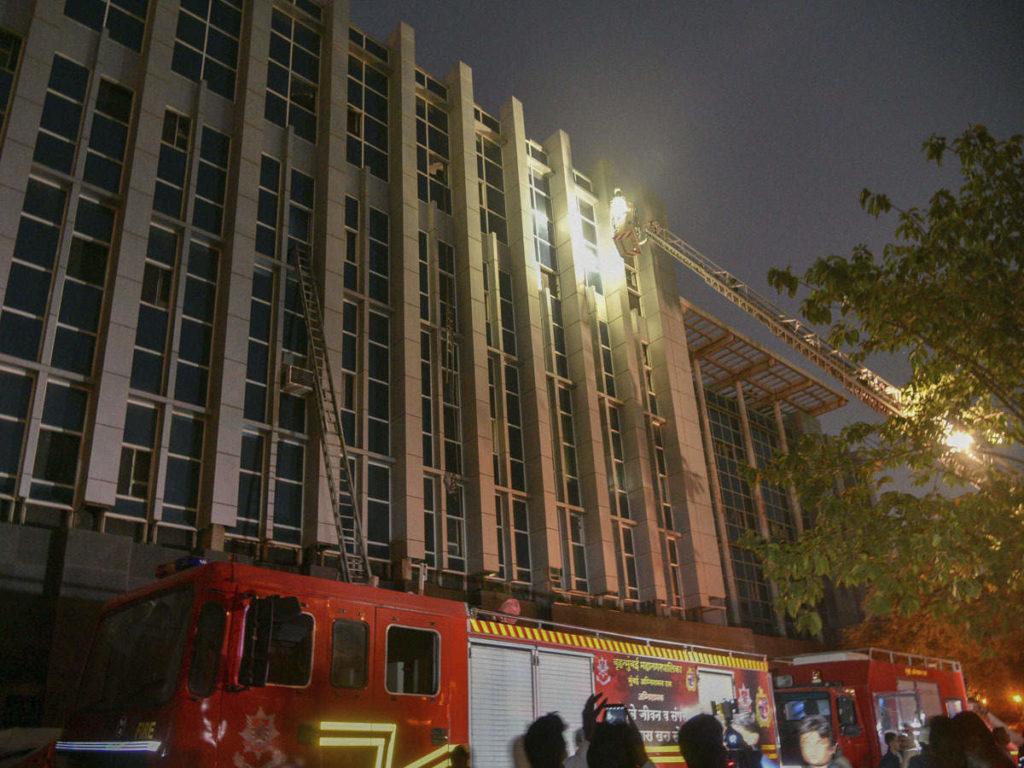 ای ایس آئی سی کامگاراسپتال آگ میں مرنے والوں کی تعداد آٹھ ہوئی، 142 لوگ جھلسے