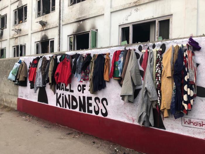 'دیوار مہربانی' مہم کشمیر پہنچی، عوام کی زبردست پذیرائی