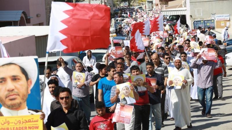 بحرین کی شاہی حکومت کے سیکورٹی اہلکاروں نے پرامن مظاہرین پر اس لئے کیا حملہ