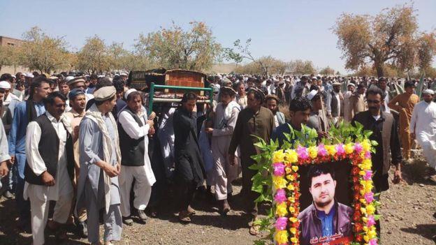 افغانستان میں بی بی سی کے رپورٹر احمد شاہ کے قتل پر تین افراد کو سزا