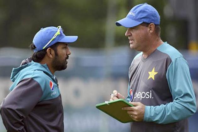 سرفراز احمد کی کپتانی کو لے کر پاکستانی ٹیم کے ہیڈ کوچ مکی آرتھر نے دیا بڑا بیان ، کہی یہ بات