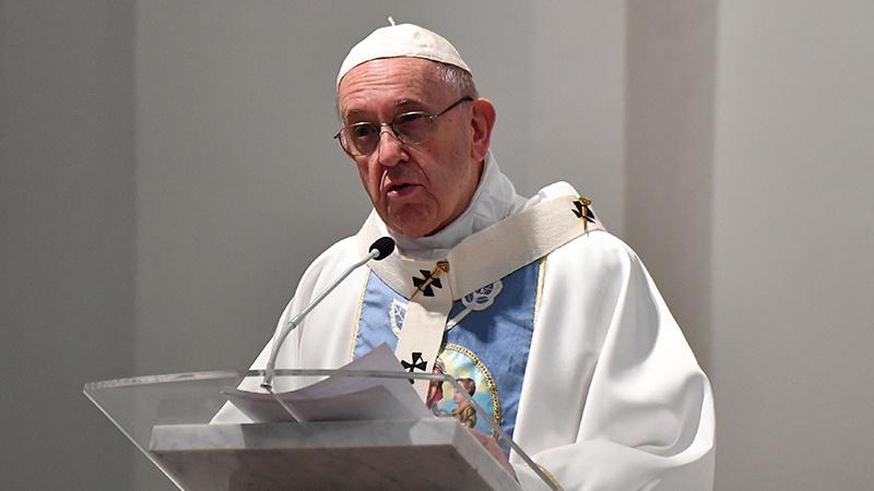 بچوں کو جنسی تشدد کا نشانہ بنانے والے پادریوں کے خلاف کارروائی ہوگی : پوپ