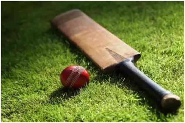 گیند بازی کررہے ہندوستانی کھلاڑی ہریش گنگا دھرن کی بیچ میدان پر ہوئی موت !۔