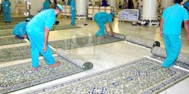 حرم شریف میں صفائی کا خاص انتظام ، 35 ہزار نئے قالین