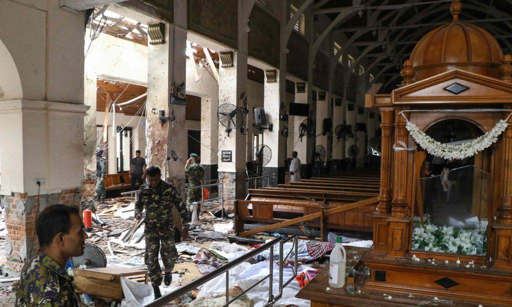 تصویری رپورٹ : سری لنکا کے چرچ اور ہوٹلز میں بم دھماکے، 290 افراد جاں بحق متعدد زخمی