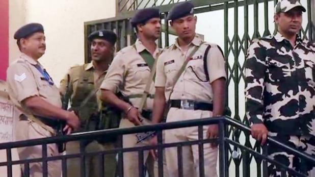 यूपी : मैनपुरी में सहारा इंडिया ऑफिस में लगी भीषण आग, जरूरी कागजात हुए जलकर खाक