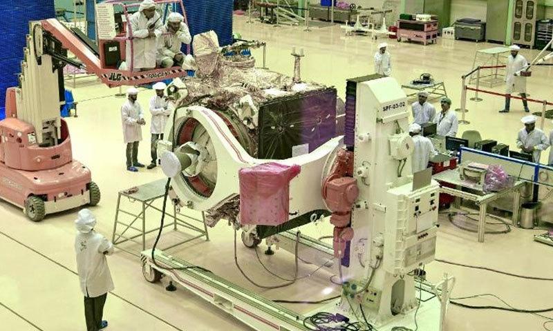 ہندوستان کا اگلے ماہ چاند پر خلائی مشن بھیجنے کا اعلان