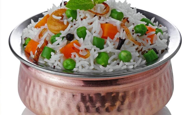 گھر میں آسان ترکیب کے ساتھ سبزی پلاؤ بنائیں