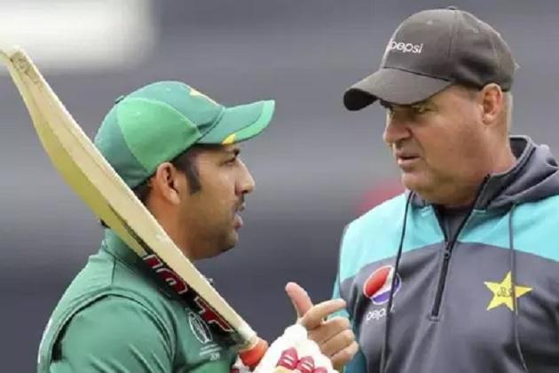 پاکستان کرکٹ بورڈ کا بڑا فیصلہ، اب ٹیم کے کوچ نہیں ہوں گےمکی آرتھر