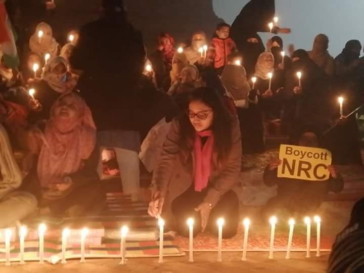 समाजवादी पार्टी के मुखिया अखिलेश यादव ने उत्तर प्रदेश पुलिस की खिंचाई की