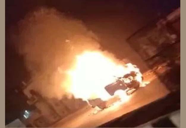 दुबग्गा चौराहे पर चलती वैन बनी आग का गोला, और फिर ड्राइवर ने कूदकर बचाई जान
