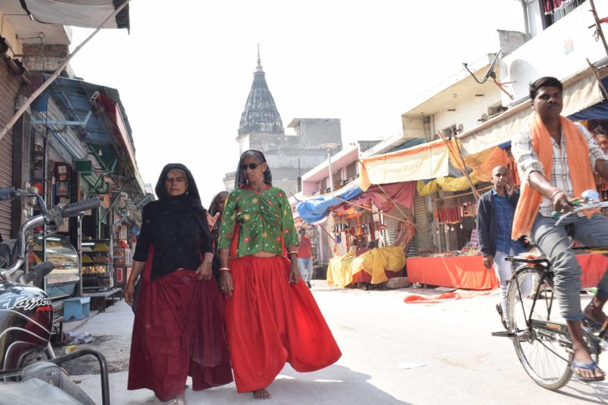 Lucknow | इको गार्डेन में मदरसा शिक्षक कर्मी 61 दिनों बाद फिर अनिश्चितकालीन धरने पर बैठे