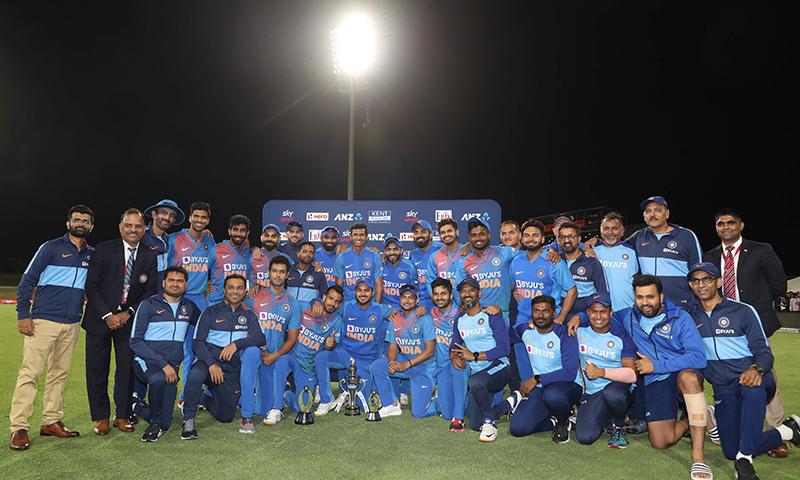 نیوزی لینڈ کو ایک اور شکست، بھارت کا ٹی20 سیریز میں 0-5 سے کلین سوئپ