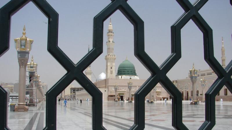 وبائی بیماری کورونا وائرس سے آجکل مسجد النبی (ص) بھی سنسان ہے