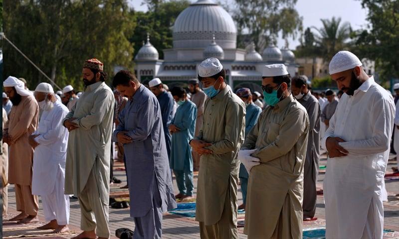 ملک میں کورونا کے باعث احتیاطی تدابیر کے ساتھ سادگی سے منائی جا رہی ہے عیدالفطر