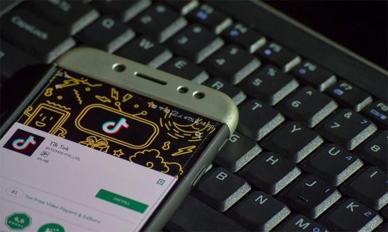 سوشل میڈیا ایپ ٹک ٹاک کے خلاف لاکھوں بھارتی شہری متحرک کیوں؟