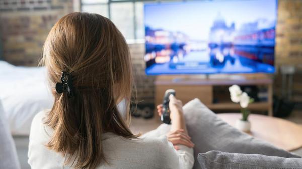 خبر دار! ٹیلی ویژن دیکھنے سے آنتوں کے کینسر کا خدشہ