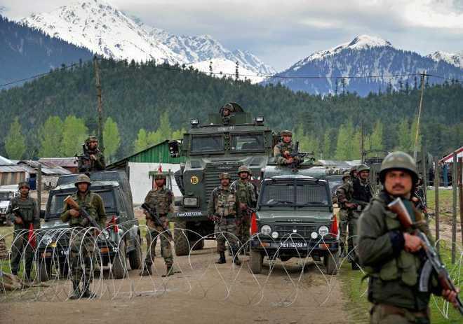 लखनऊ के रौज़ा काज़मैन की रक्षा और सुरक्षा की मांग