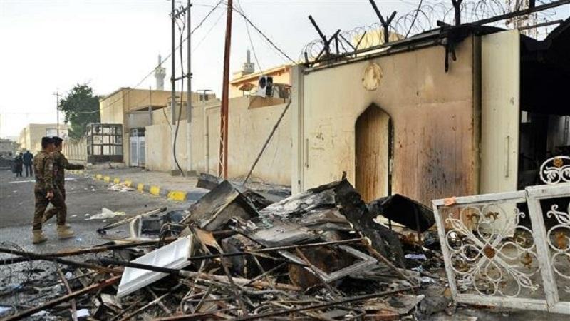 इराक :नजफ में प्रदर्शनकारियों ने ईरान के कॉन्सुलेट में आग लगा दी