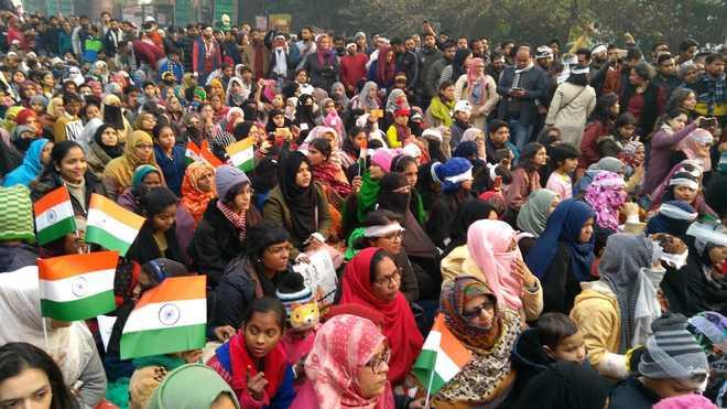 آٹھ ریاستوں سے آنے والی خواتین کی شاہین باغ خاتون مظاہرین کے ساتھ اظہار یکجہتی