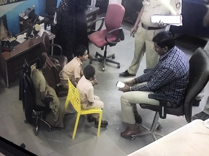 بنگلورو: بچوں کے ڈرامہ پرسنگین الزام عائد کرنا کہاں کا انصاف ہے؟ اسکول کے بچوں کی تفتیش پر پولیس کی مذمت